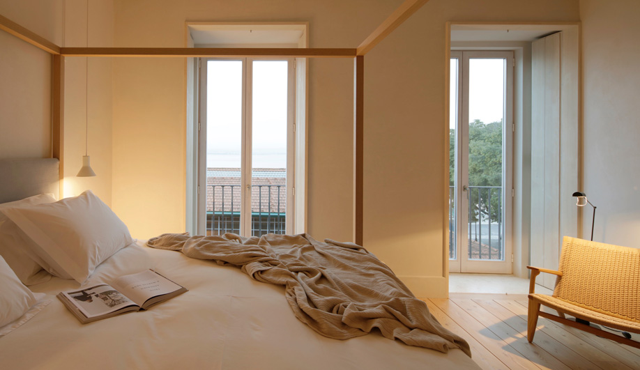 azure-guest-house-05