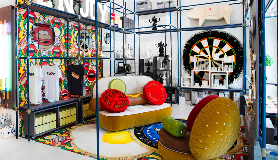 1 Hot Dog Sofa And Burger Chair From Seletti Wears Toiletpaper The Brand  Should Probably Throw A Barbecue To Launch Its First Soft Furnishings This  ...