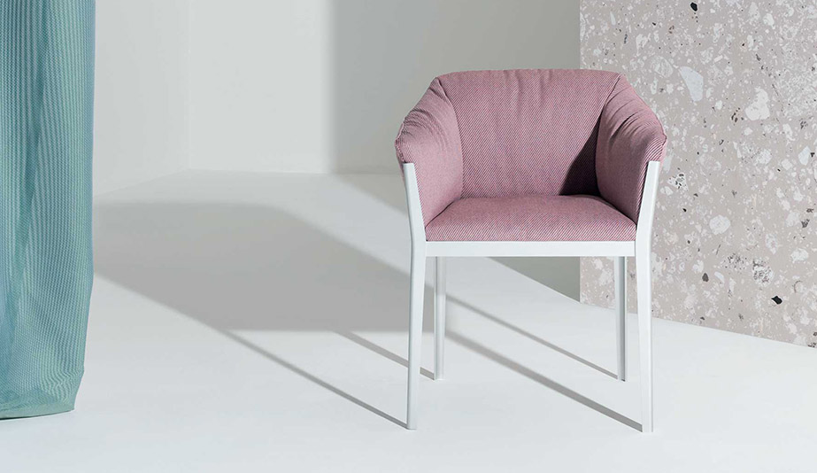 140 Cotone Armchair by Cassina