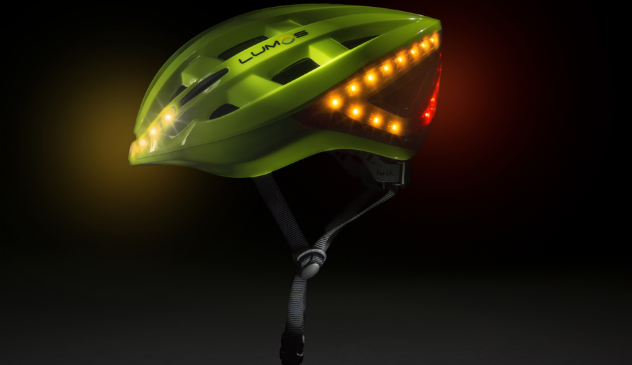 Lumos' bike helmet allows cyclists to use LED turn signals.