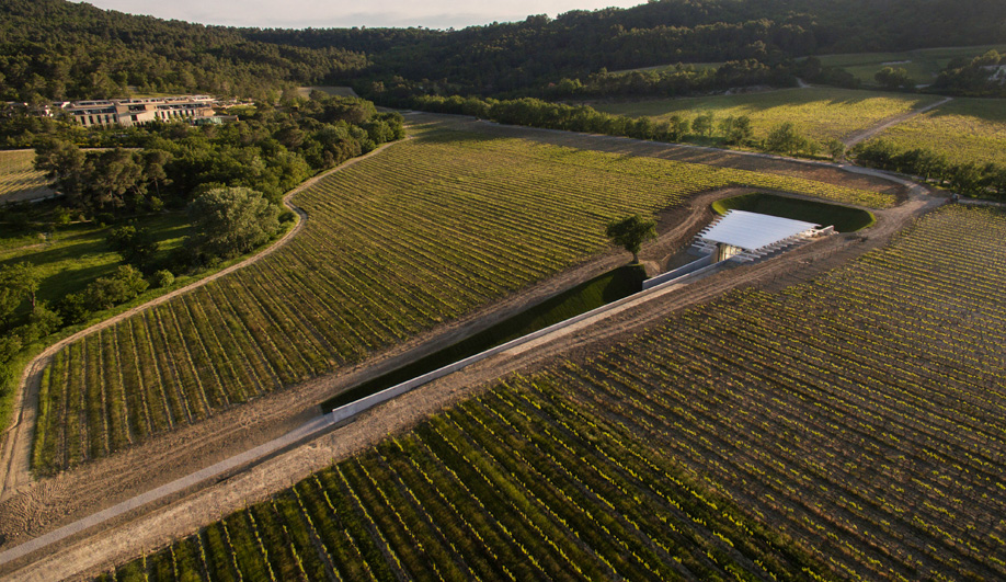 Renzo Piano's Nautical Pavilion Sails on a Sea of Grapevines