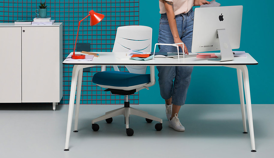 These Office Desks Can Transform a Workspace