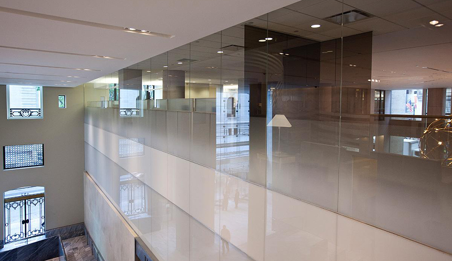 Forms+Surfaces glass: Railings with infill panels of ViviGraphix Gradiance glass offer a beautiful perspective on the floors below.