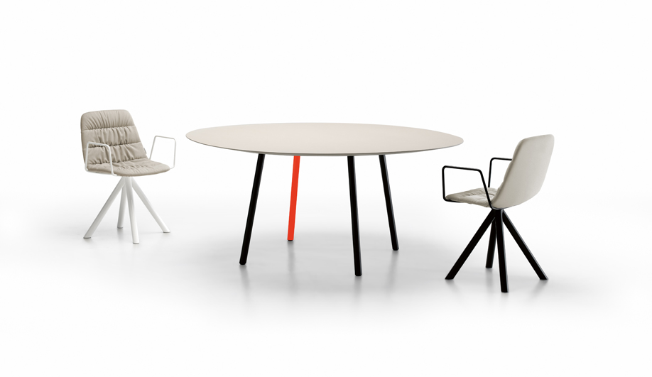Maarten Table by Coalesse