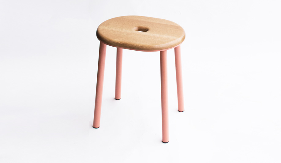 Geoffrey Lilge's Div.12 created the L63 Deck Stool.