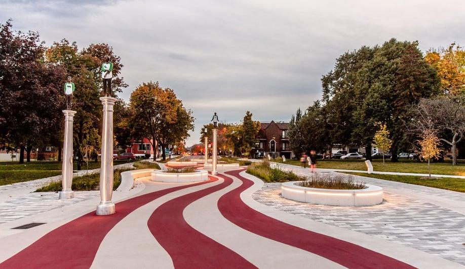 The candy-striped promenade of Parc Guido-Nincheri.