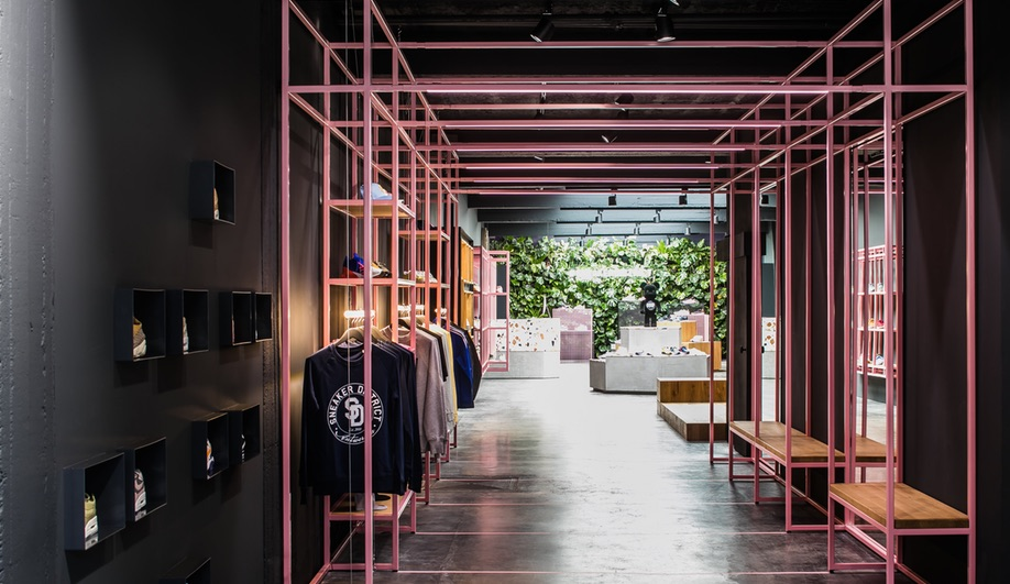 In Antwerp, Barde + vanVoltt's Sneaker District Combines