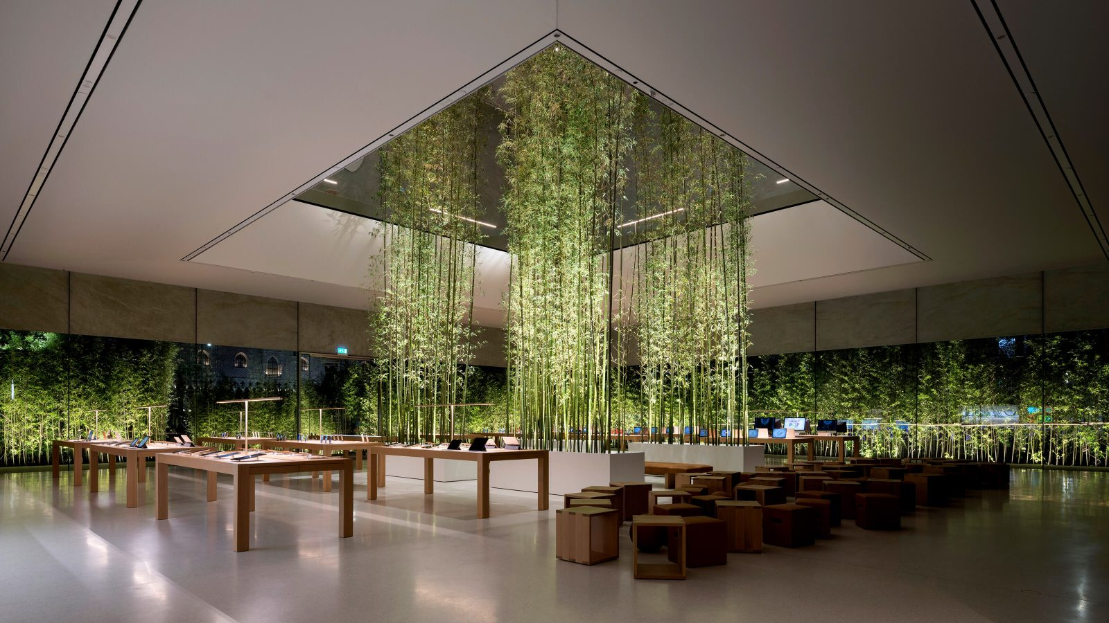 How Foster+Partners Elevated Apple Store Design - Azure Magazine