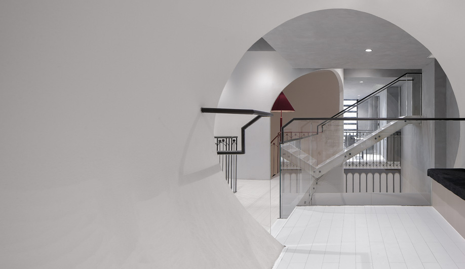 Glass railings at Ideas Lab Shanghai by X+Living