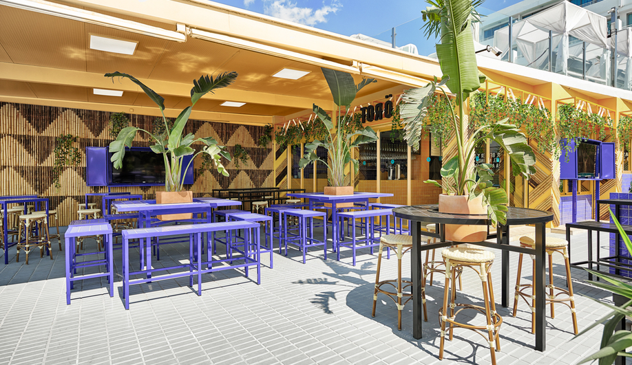 Bar Toro Design: The Ibiza tapas bar features a large terrace.