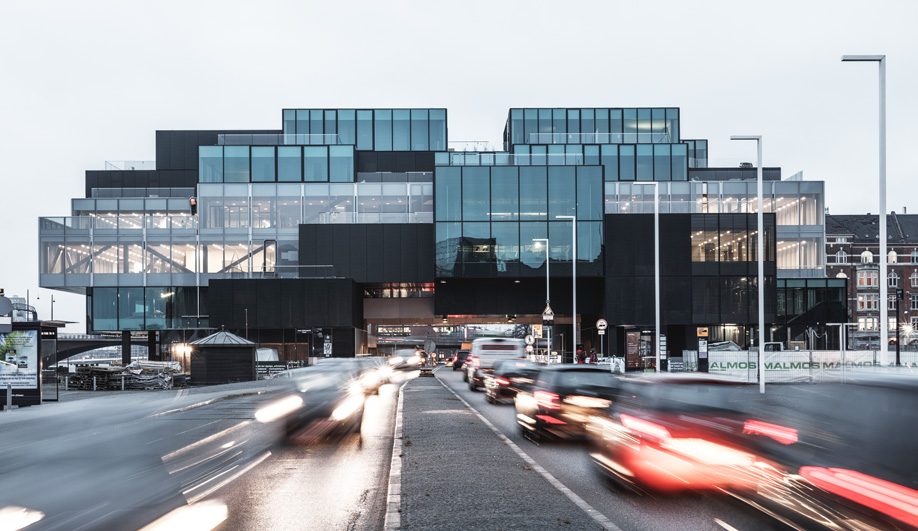 In Copenhagen, OMA's BLOX Building is Pierced by a Ring Road