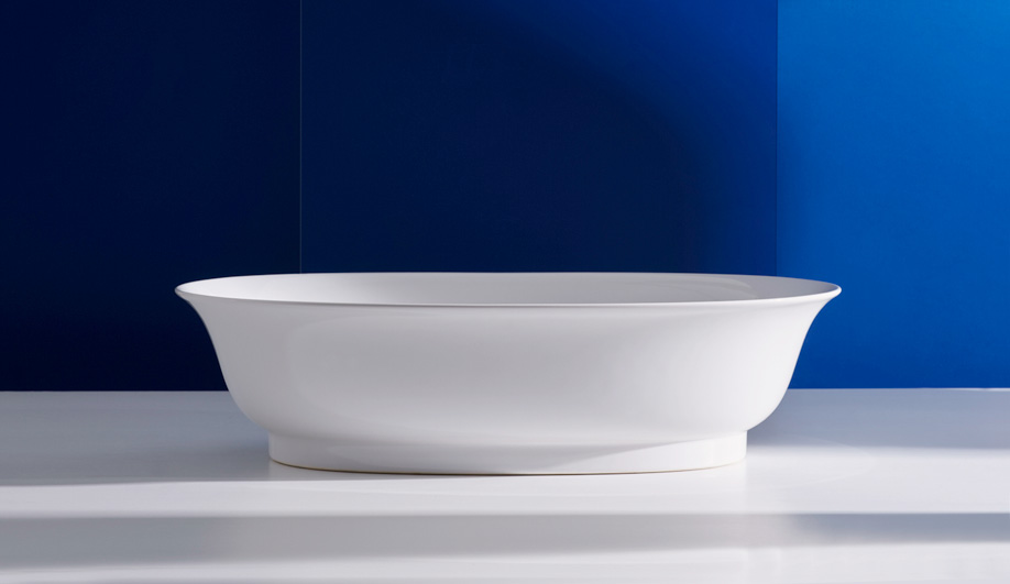 The New Classic Tub by Laufen