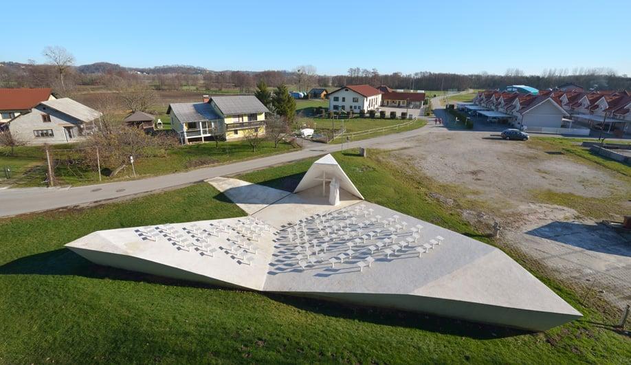 This Slovenian Outdoor Chapel Gives Suburban Skorba a Sense of Place
