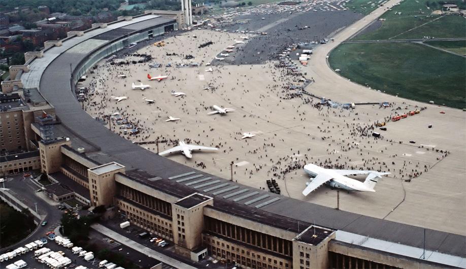 German refugee housing: Tempelhof Airport