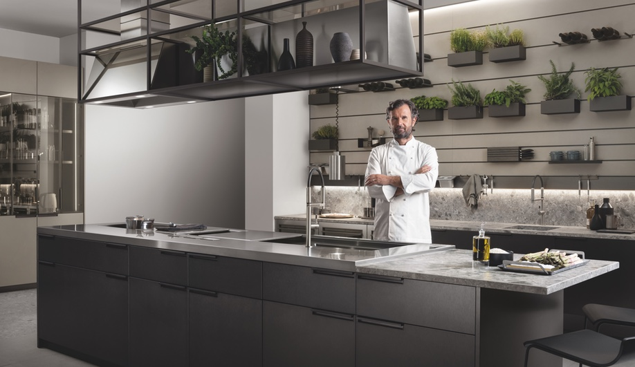 Italian Top Chef Carlo Cracco Gets Cooking with Scavolini