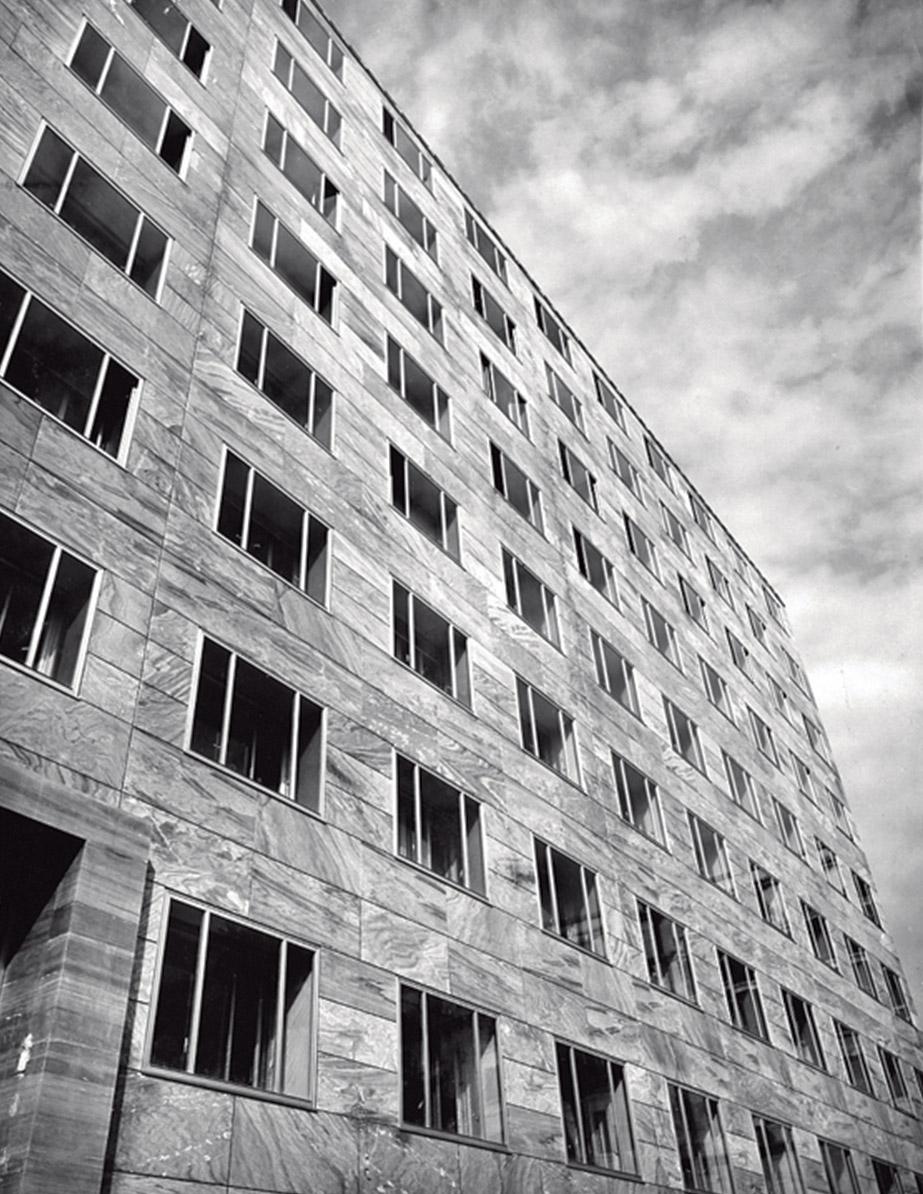 Tutti Ponti: Gio Ponti, Arch-Designer: The Montecatini office building in Milan