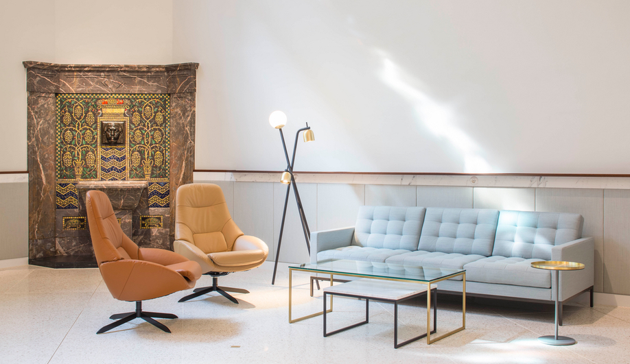A residential-inspired lounge in the Bahlsen headquarters, designed by Freehaus