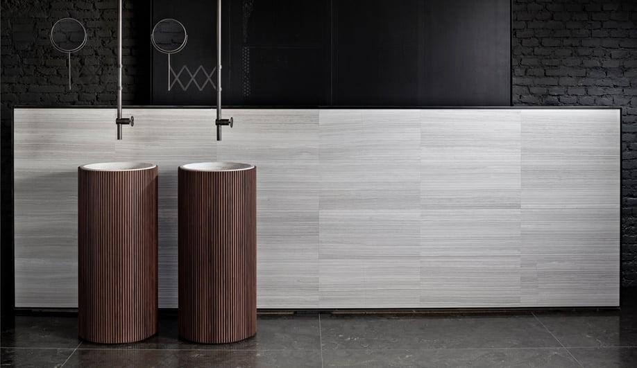 Salvatori's Adda freestanding basin in walnut, designed by David Lopez Quincoces.