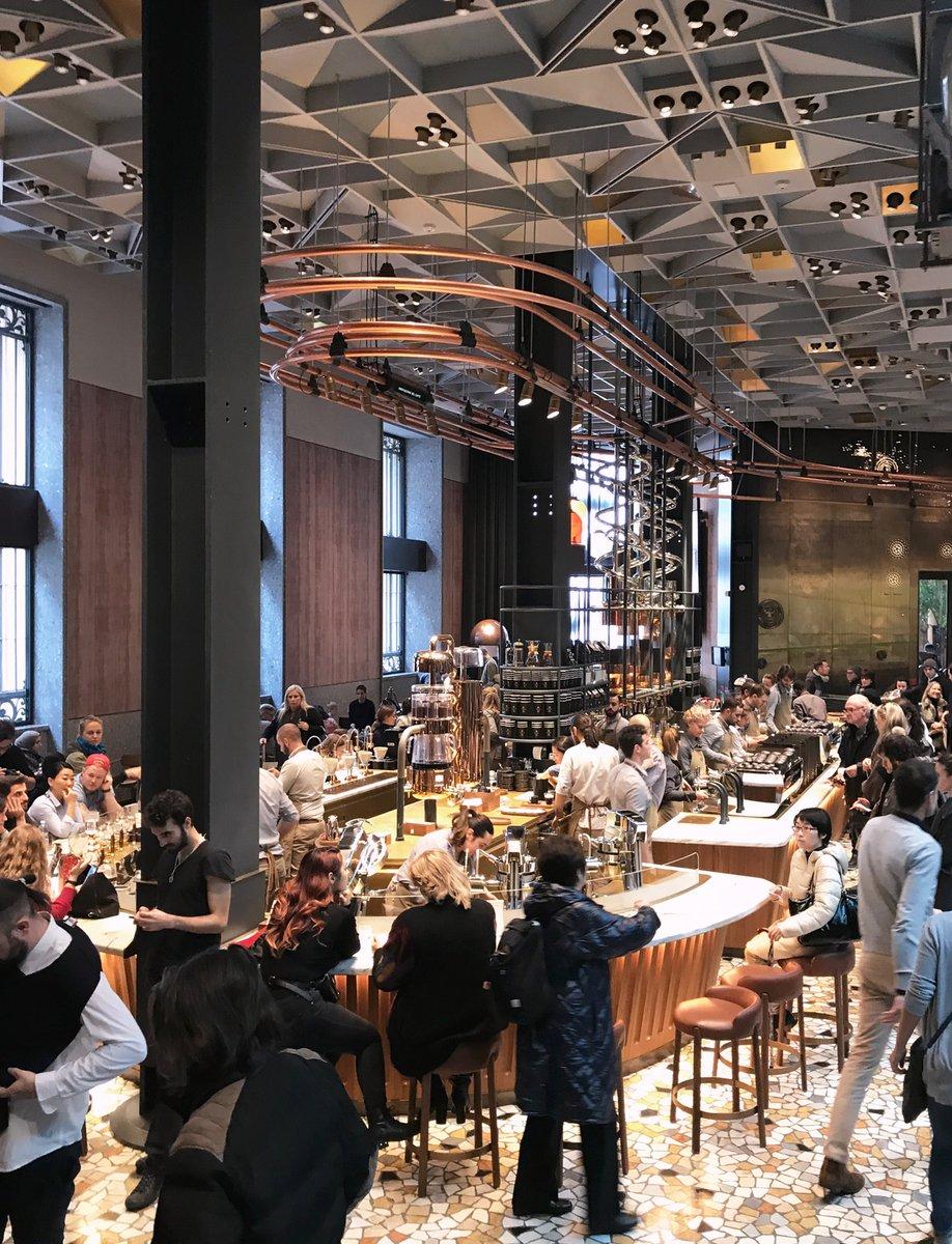 The main-floor bar in Starbucks Milan