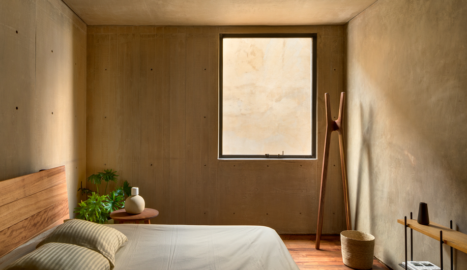 A bedroom in Taller Héctor Barroso's LC710 in Mexico City