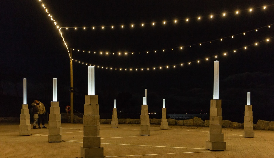 Winter Lights Toronto: Christine Dewancker's The Faraway Nearby