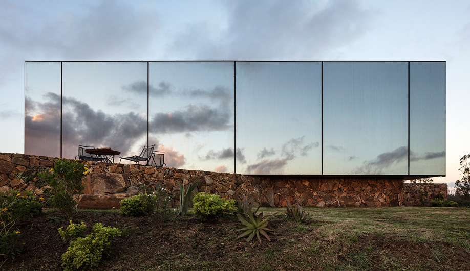 MAPA's Mirrored Sacromonte Hotel Amplifies the Landscape