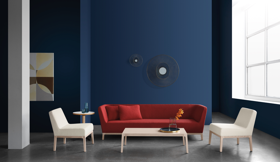 Keilhauer's Ruben seating collection features side and lounge chairs, bar and counter stools and a sofa.
