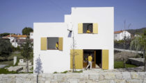 Film: A Day in the Life of a Modern Portuguese House