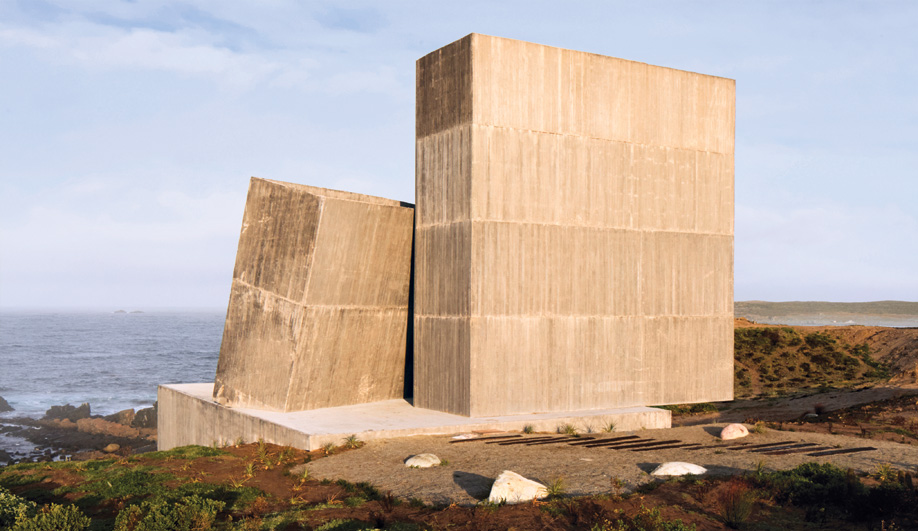 Alejandro Aravena Creates Concrete Expression on Chile's Coast