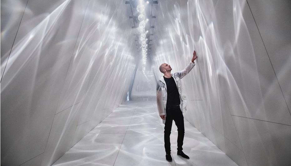 Benjamin Hubert in his Raytrace installation for Cosentino
