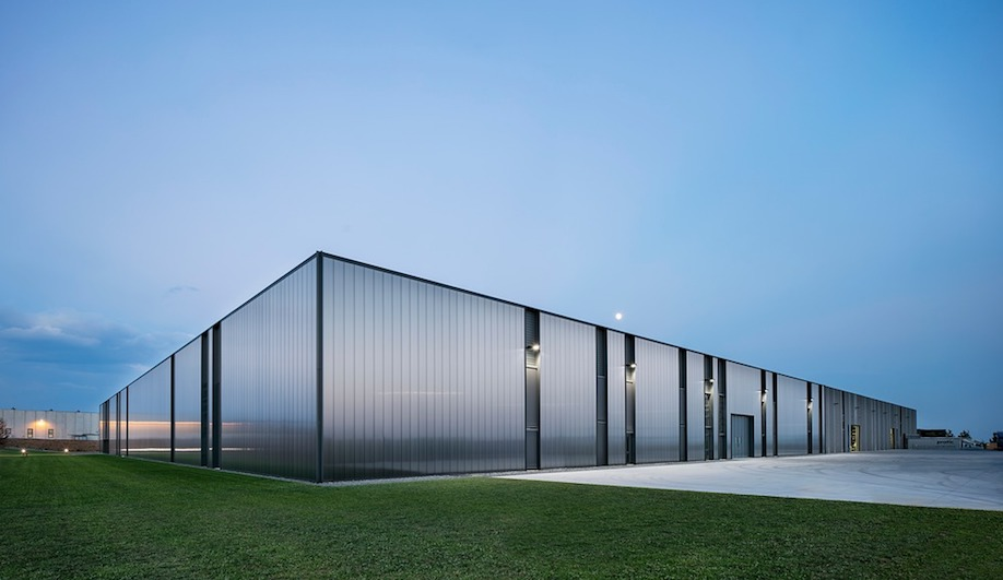 Complex and Dynamic, Pratic 2.0 Makes a Poetic Addition to Italy's Industrial Landscape