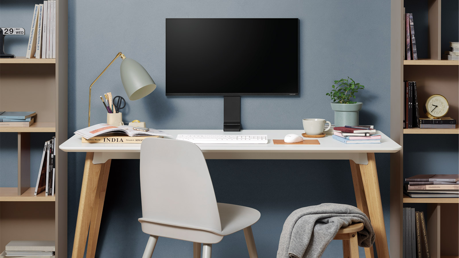 Samsung space monitor, home office