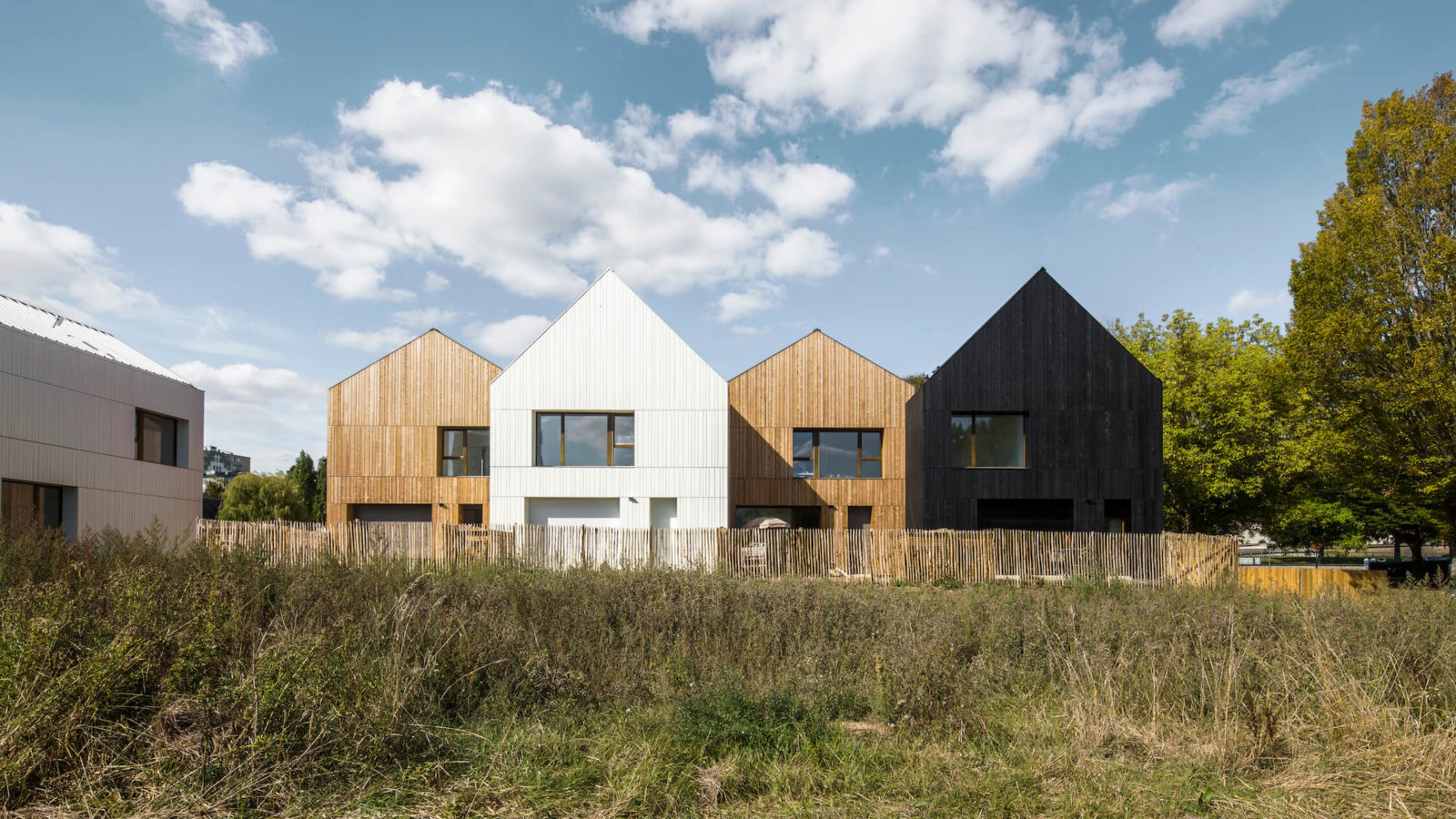 NZI architectes, straw bale social housing