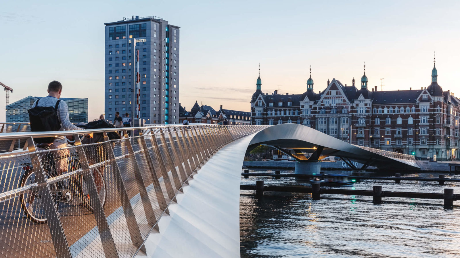 Lille Langebro, Copenhagen, WIlkinson Eyre, view at dusk