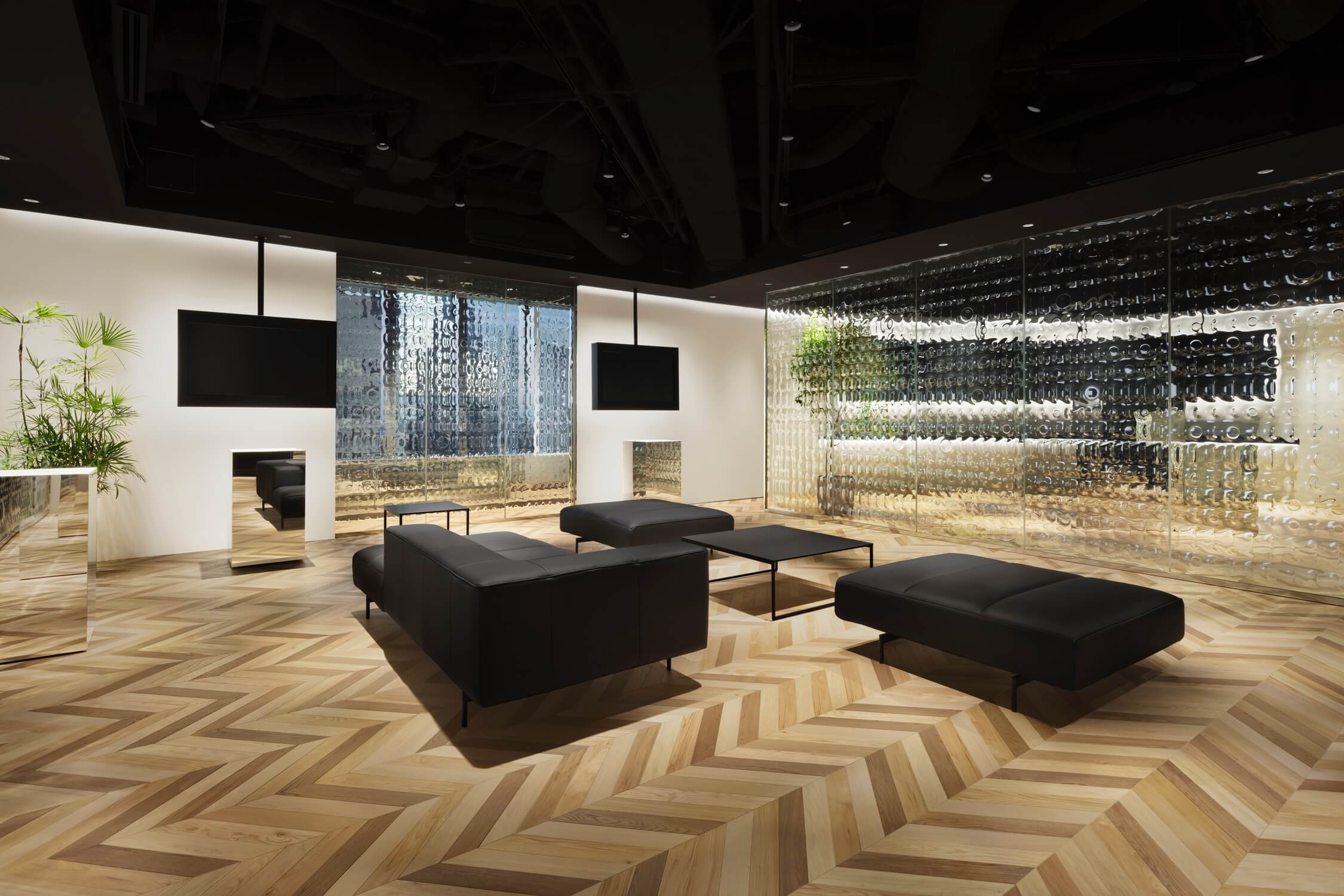 A view of the sitting area at Nendo McKinsey Tokyo