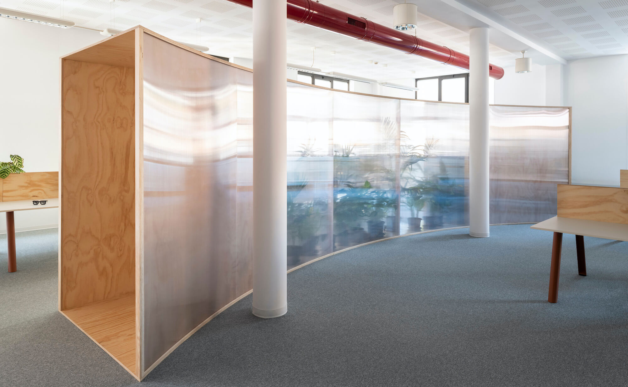 The ground floor's curved partition