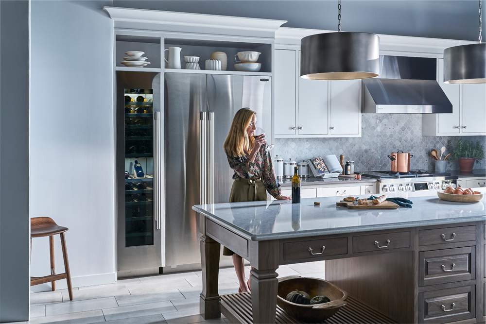 LG Signature Kitchen Traditional Style, island in centre
