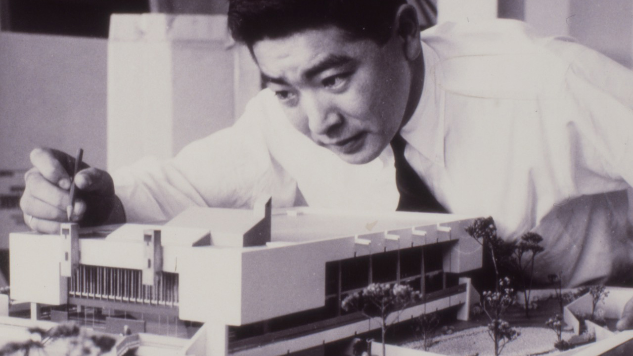 Raymond Moriyama with architectural model, black and white