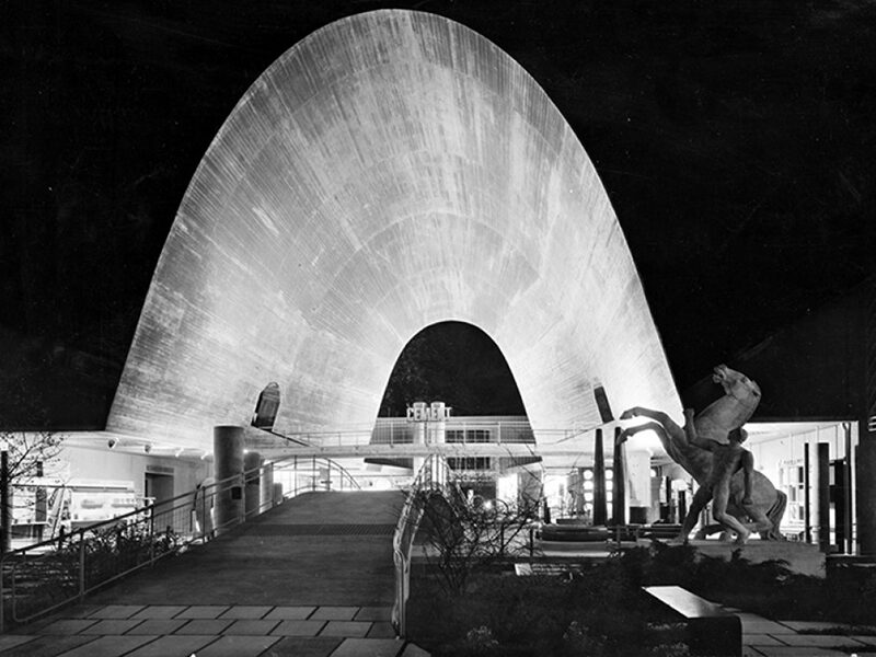 """The """"Zementhalle"""" by Hans Leuzinger (architect) and Robert Maillart at the 1939 Swiss National Exhibition in Zurich"""
